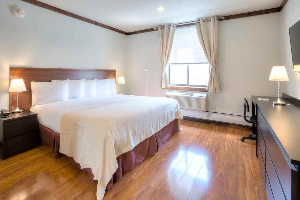 LIC Hotel Queens New York